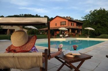 agriturismo la rosa tea - esterno piscina relax 02