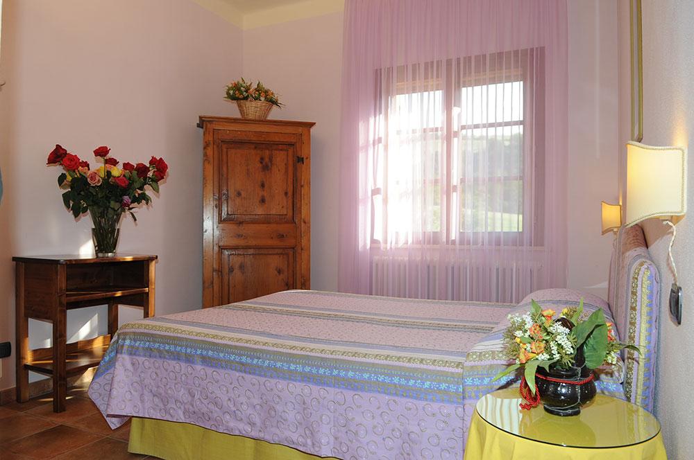camera doppia agriturismo la rosa tea- soggiorno ad Urbino